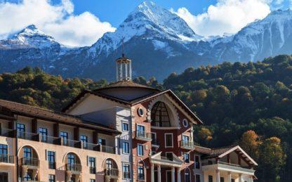 Горки Город (Красная Поляна). Вид на горы.