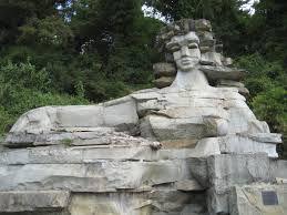 Статуя в Мацесте (Сочи).